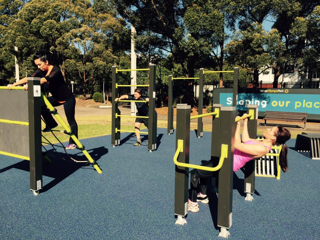 people-working-out-on-fitness-station.jpg